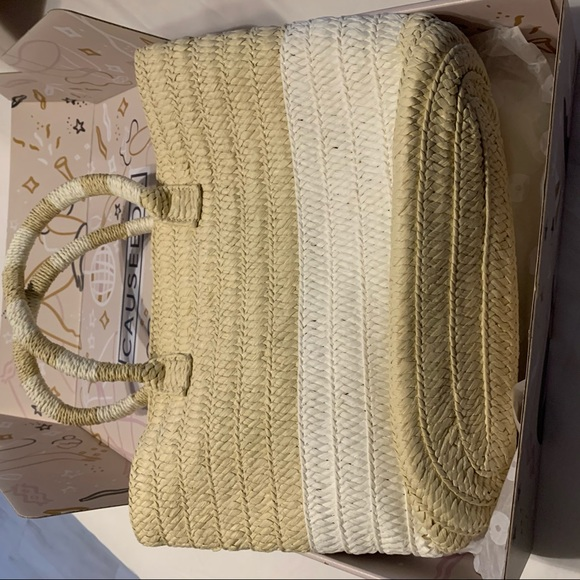 Altru straw tote new in dust bag and tissue